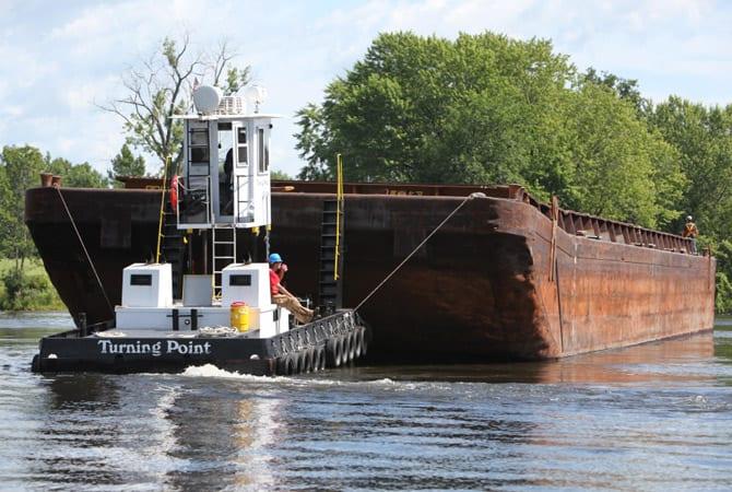 Photos courtesy of the Hudson River Superfund dredging project @ www.hudsondredging.com