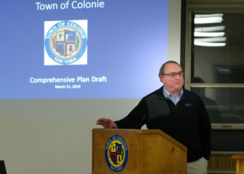 Chuck Voss, of Barton and Loguidice, at a public hearing on the Comprehensive Plan (Jim Franco/Spotlight News)